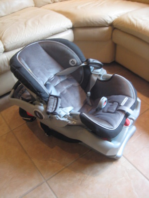 car seat for baby for rent rental New York, NY