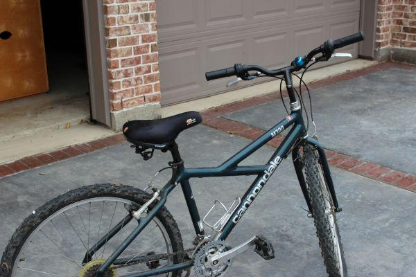 Women's Cannondale M300 Bicycle