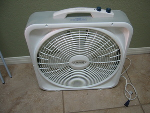 Box fan that fits in window rental Austin, TX