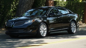 Luxury sedan with driver rental Chicago, IL