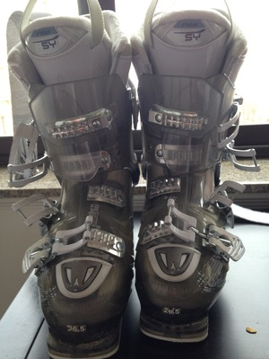 Atomic Hawx 100W Women Ski Boots rental Boston, MA-Manchester, NH