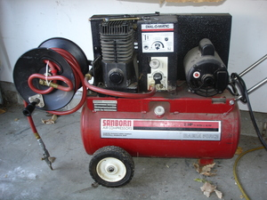 Portable Air Compressor 2HP with 30ft hose rental Indianapolis, IN