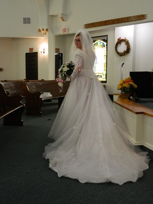 Wedding Dress/Veil rental Erie, PA