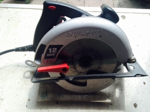 "7 1/2"" CORDED 12Amp Circular Saw rental Philadelphia, PA"