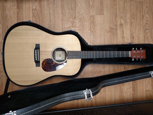 Martin & co 6 string acoustic (X CUSTOM SERIES) rental Detroit, MI