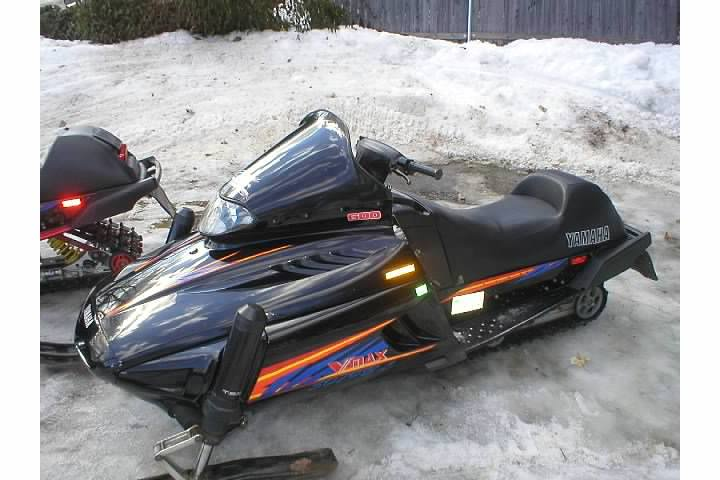 Loanables Yamaha Vmax 600 Snowmobile Rental Located In