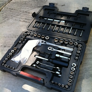 Craftsman 94-piece Mechanic Tool Set rental Los Angeles, CA