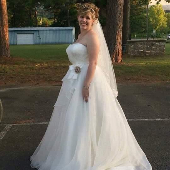Loanables:Designer Wedding Dress Rental located
