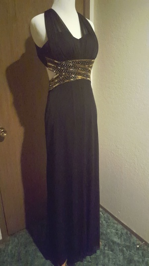 Black and gold prom dress rental Seattle-Tacoma, WA