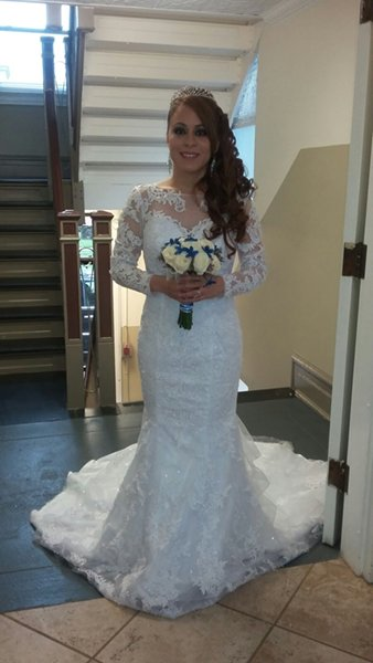 White sleeved wedding dress with train rental in maplewood nj for Rent a wedding dress nyc