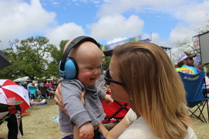 Baby Sound Canceling Headphones rental Austin, TX