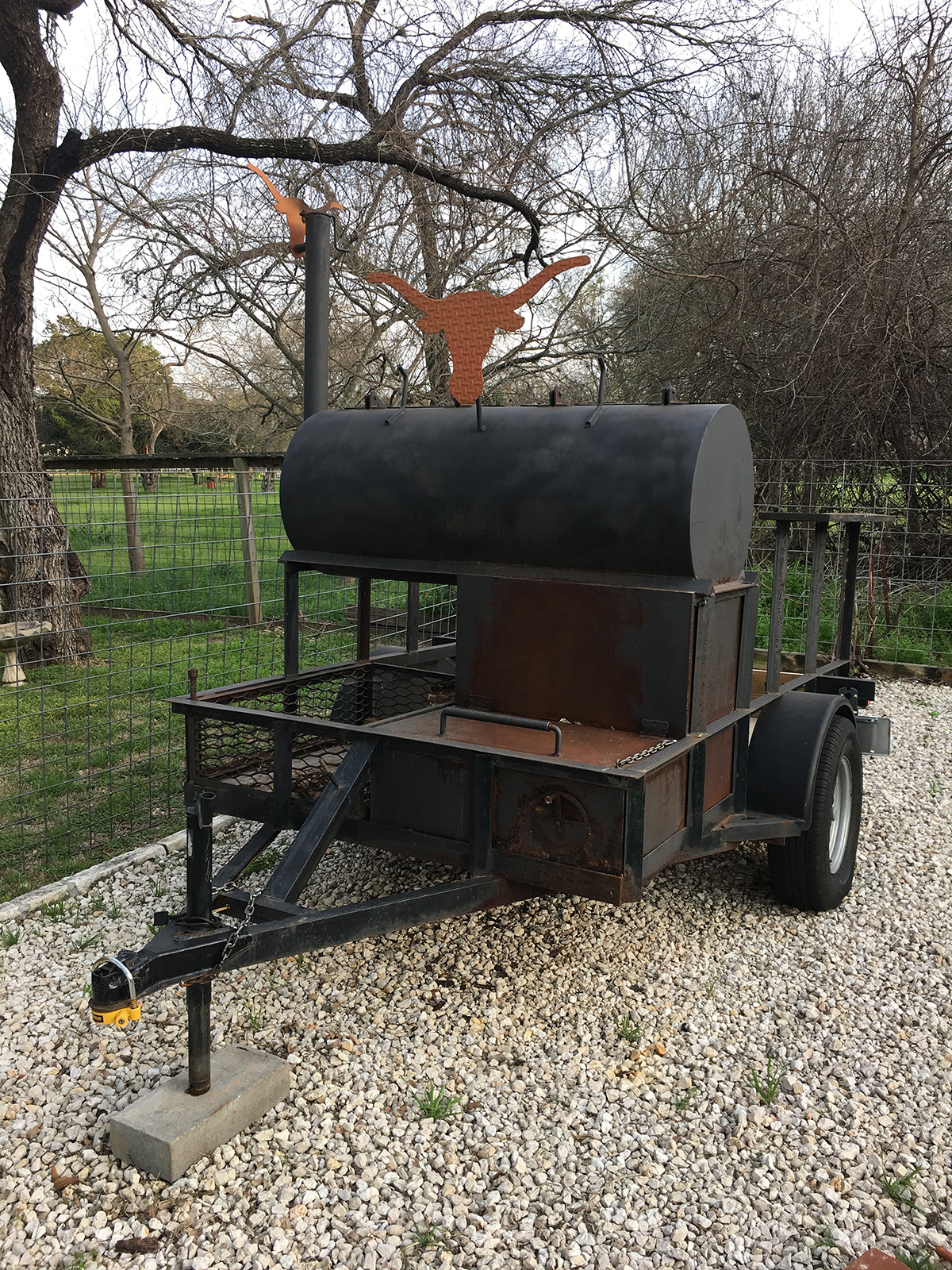 Loanables Bbq Smoker Rental Located In Austin Tx