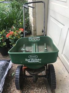 Spreader / Seeder rental Austin, TX