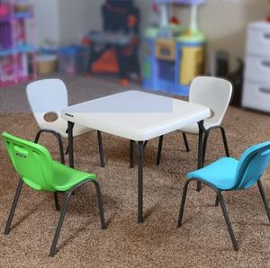 Kids table and 4 chair set rental Austin, TX