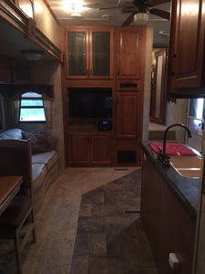39 ft. RV Fifth Wheel rental Austin, TX