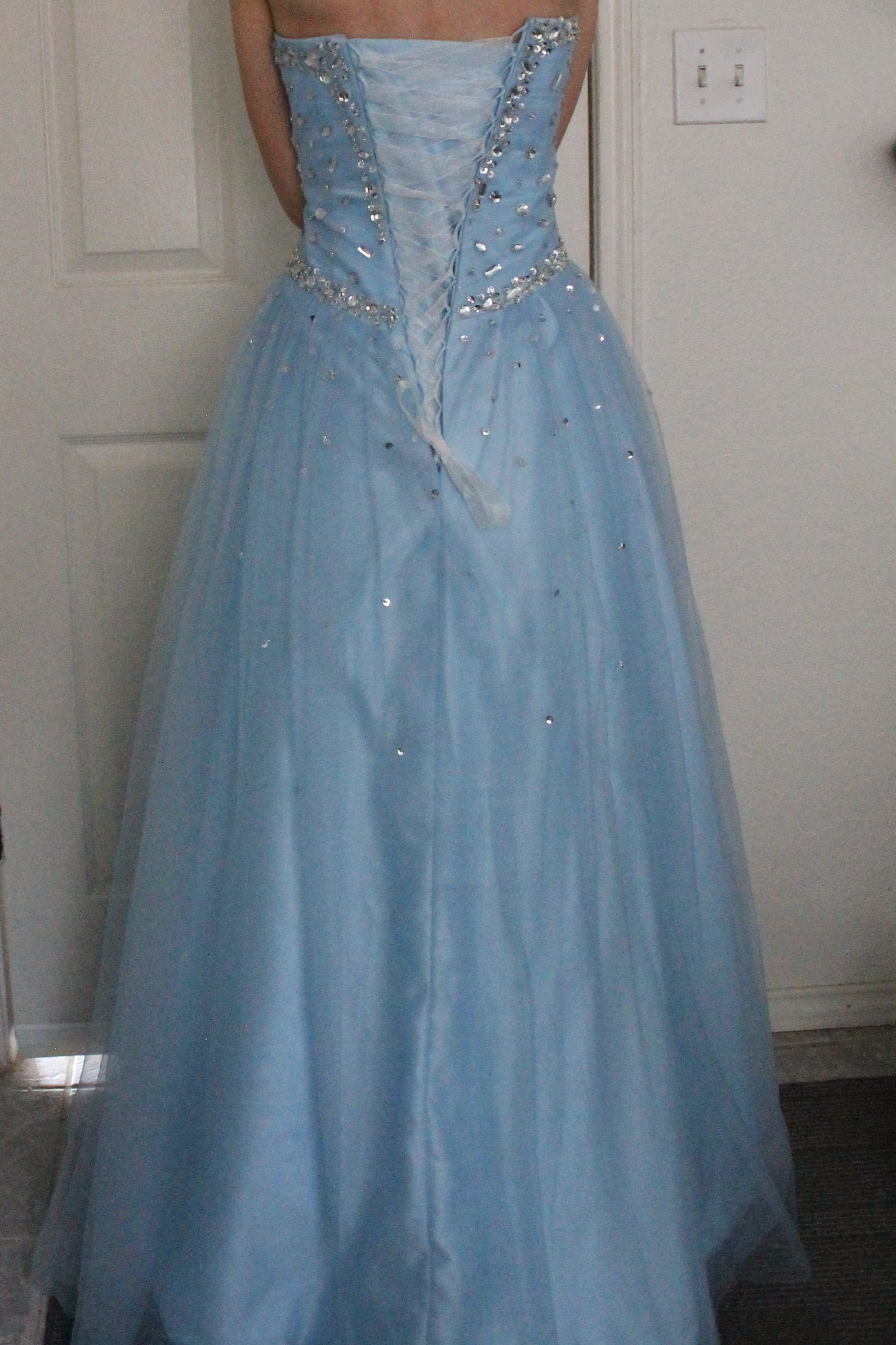 Loanables:Blue prom dress located in Austin, TX