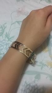 Golden arrow bracelet rental New York, NY