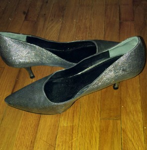 Silver low heeled shoes size 8 rental New York, NY