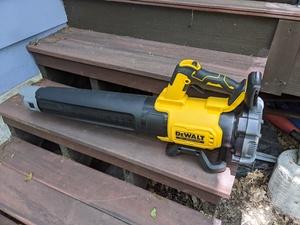 Dewalt 20v cordless electric leaf blower rental Austin, TX