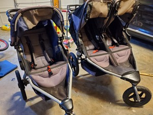 Double Bob stroller  rental Raleigh-Durham (Fayetteville), NC