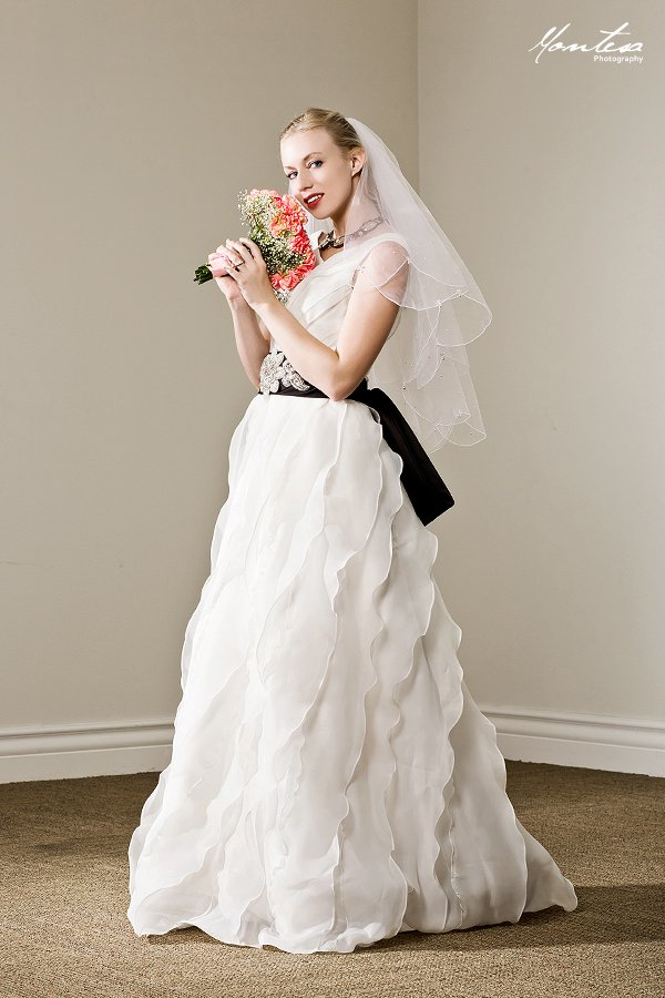 Loanableswedding Gown Located In Los Angeles Ca