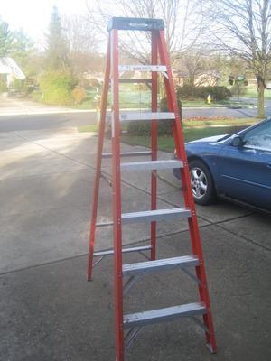 Werner 8' step ladder rental Dayton, OH